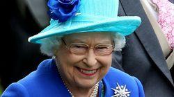 La reine d'Angleterre tweete mieux que votre grand-mère