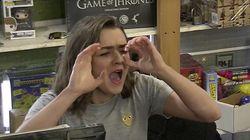 Arya Stark fait jouer des scènes de «Game of Thrones» à des fans, et c'est très drôle