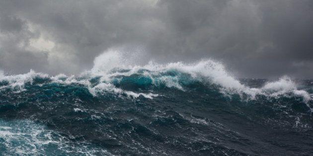 La plus haute vague océanique du monde a été enregistrée entre l'Islande et le