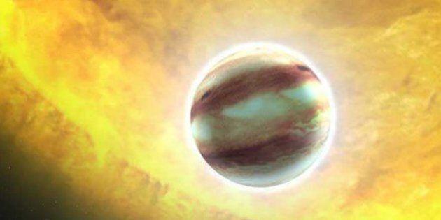 On a trouvé pour la première fois des nuages sur une exoplanète (et ils pourraient bien être remplis...