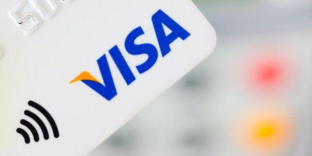 Walmart commence à refuser la carte Visa dans certains