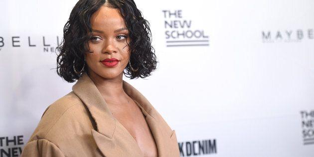 Rihanna en vacances dans les bras d'un mystérieux jeune
