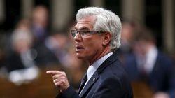 Oléoduc: le ministre Carr menace d'éventuels manifestants d'intervention