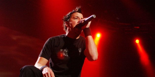 Simple Plan perform