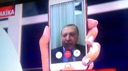 Quand le président turc apparaît via Facetime à la télévision, en plein coup