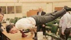 Cette photo de Justin Trudeau est virale, et nous avons essayé de faire comme lui