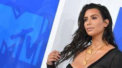 Kim Kardashian ne se fait pas maquiller que le
