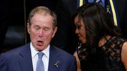 George W. Bush danse gaiement lors d'un hommage aux policiers tués à