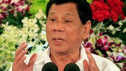 Le président des Philippines menace de manger vivant des