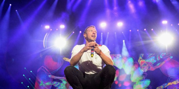 PHILADELPHIA, PA - SEPTEMBER 04: Chris Martin of Coldplay performs onstage during the 2016 Budweiser...