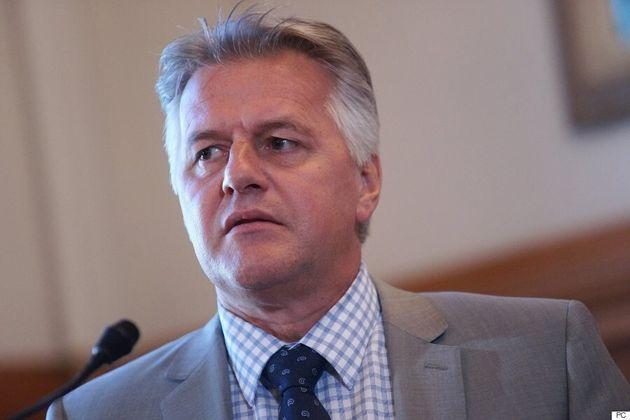 Un ex-attaché du ministre Laurent Lessard le met dans
