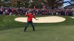Un inconnu donne une leçon de golf aux meilleurs joueurs du