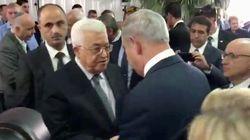Netanyahu et Abbas se serrent la main et lancent un vif