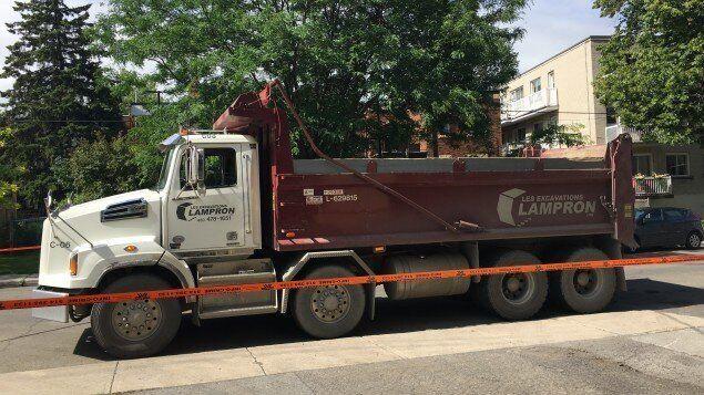 Le camion impliqué dans l'accident qui a coûté la vie a une cycliste âgée dans la trentaine.