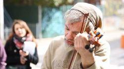 Voyez Mark, le violoniste du métro, jouer de son nouvel instrument
