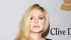 Avril Lavigne accuse Mark Zuckerberg d'encourager le