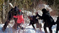Une vingtaine de migrants passent la frontière