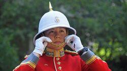 Une Canadienne dirige la garde de la