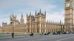 Le Parlement britannique bièvement bouclé à cause d'un paquet