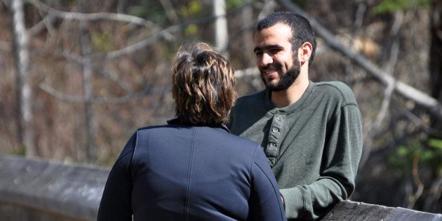 Le gouvernement du Canada verse 10,5 millions $ à Omar Khadr et lui offre des