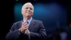 Le sénateur américain John McCain souffre d'une tumeur au