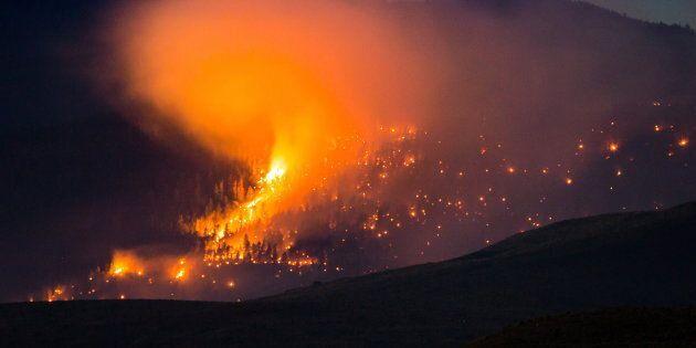 Des pompiers déployés en Colombie-Britannique racontent l'ampleur du