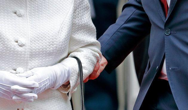 David Johnston touche la reine et les quotidiens britanniques sont