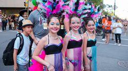 Juste pour rire: fiesta latina au défilé des