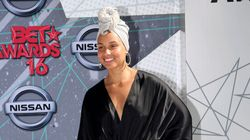 Alicia Keys sans maquillage sur le tapis rouge des BET