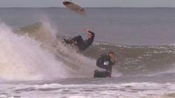 Mieux vaut ne pas se croiser sur la même vague quand on surfe