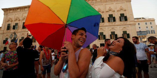 Le Parlement maltais adopte le mariage pour les couples