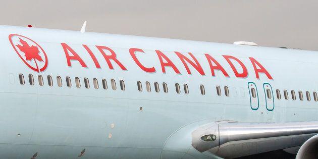 Un passager turbulent force un avion d'Air Canada à faire