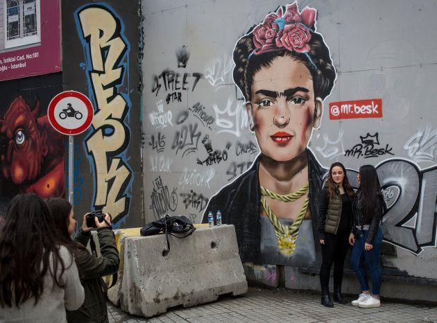 Les designers, fashionistas, photographes et illustrateurs trouvent en Frida une source inépuisable
