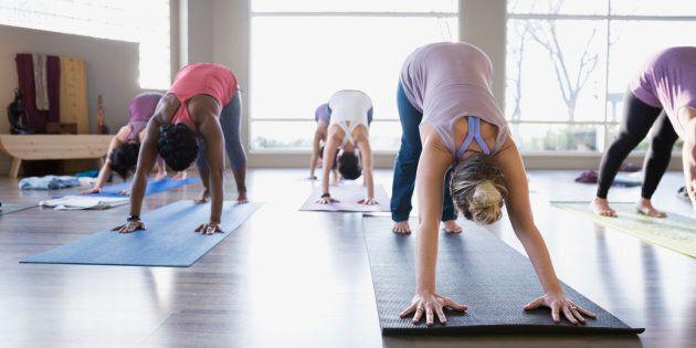 L'achat d'un forfait, nous permettant un nombre illimité de visites pendant un mois à un centre de yoga