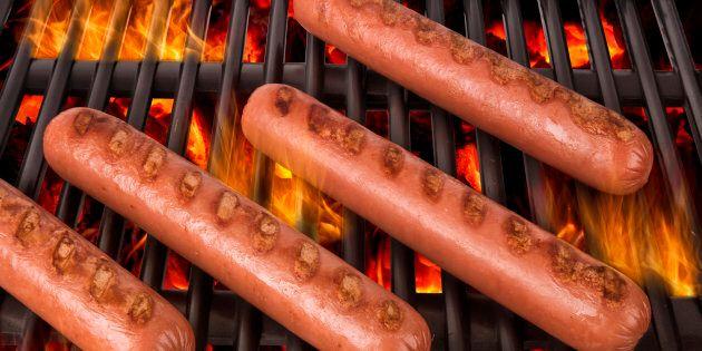 20 % des saucisses testées au Canada contiennent un ingrédient non