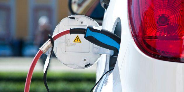 Le gouvernement du Québec s'est fixé comme objectif qu'il y ait 100 000 véhicules électriques sur nos...