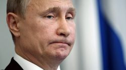 Poutine pose torse nu pour les