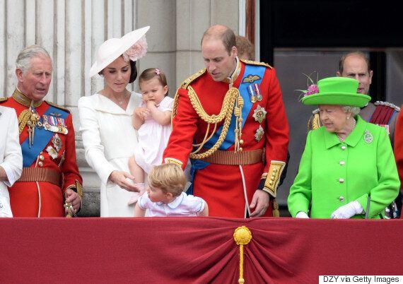 La réaction du prince George en voyant des avions de combat est trop