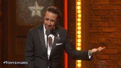Il a remporté un Tony Awards et déclamé un poème poignant sur l'attaque d'Orlando