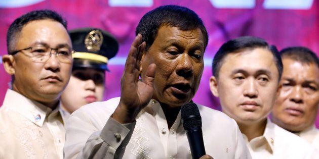 Menace jihadiste aux Philippines: Duterte veut recruter 20 000 soldats