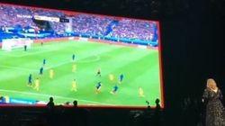 Adele interrompt son concert pour retransmettre le premier match de l'Euro