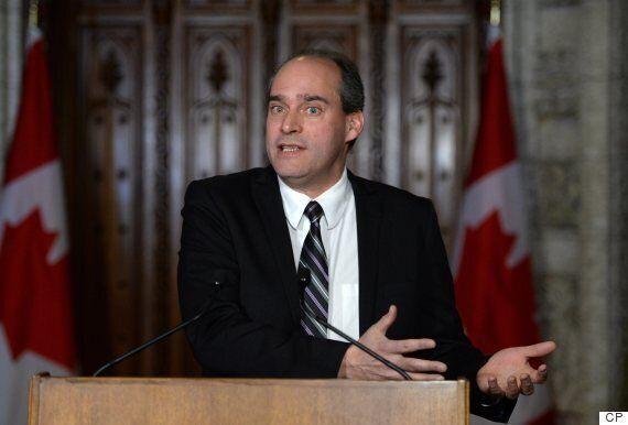 C-10 : Marc Garneau soutient qu'il n'y a pas d'entente secrète avec Air Canada