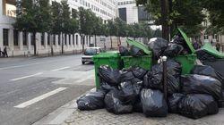 Les rues de Paris croulent sous les poubelles à la veille de l'Euro