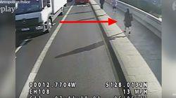 Vidéo choquante d'un joggeur poussant une femme devant un