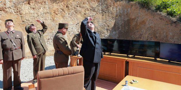 La Corée du Nord tire un nouveau missile balistique dans la mer du