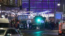 Un camion fonce dans la foule à Berlin: la piste de l'attentat