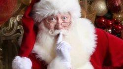 Garçon mort dans les bras du père Noël: une histoire