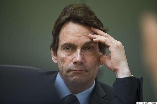 Les accusations de Julie Snyder sont «totalement fausses» et «diffamatoires», dit Péladeau