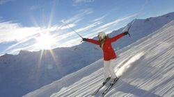 Même si elle se fait lancer des roches, elle skie pour la bonne