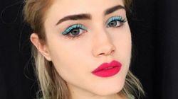 Le bleu sur les yeux en trois
